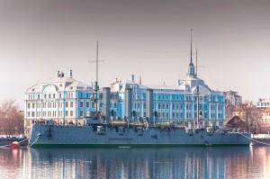 Здание нахимовского училища